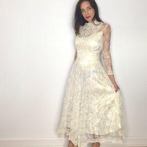 Vintage Cream Lace Scott Mcclintock Wedding Dress